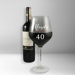 Kieliszek do wina na...
